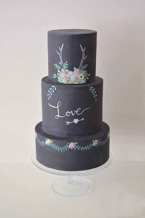11 Chalkboard Wedding Cakes You Won T Want To Erase